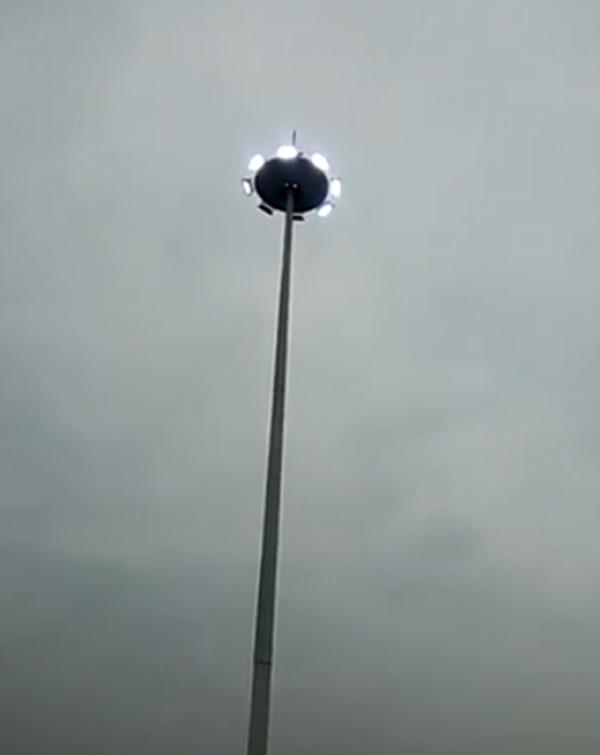 贵州沿河玫瑰圆25米高杆灯
